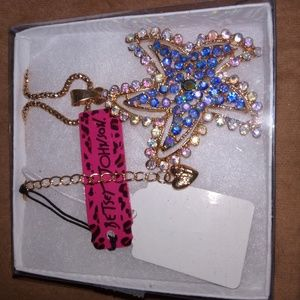 NWT Betsey Johnson Starfish Necklace